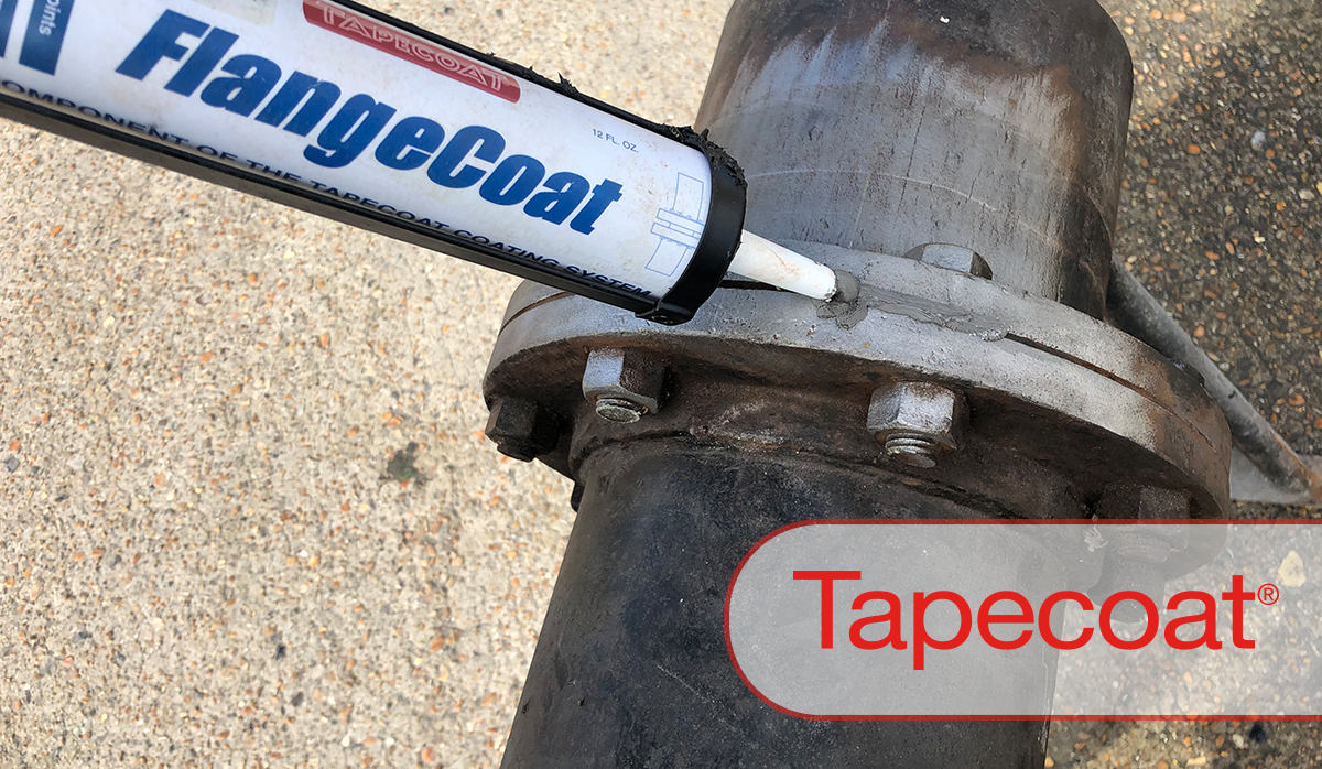 applying a flangecoat to a gas pipe flange